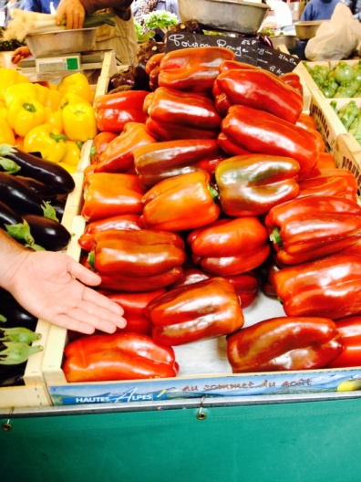 1.1397904568.huge-capsicums-the-french-riviera-markets