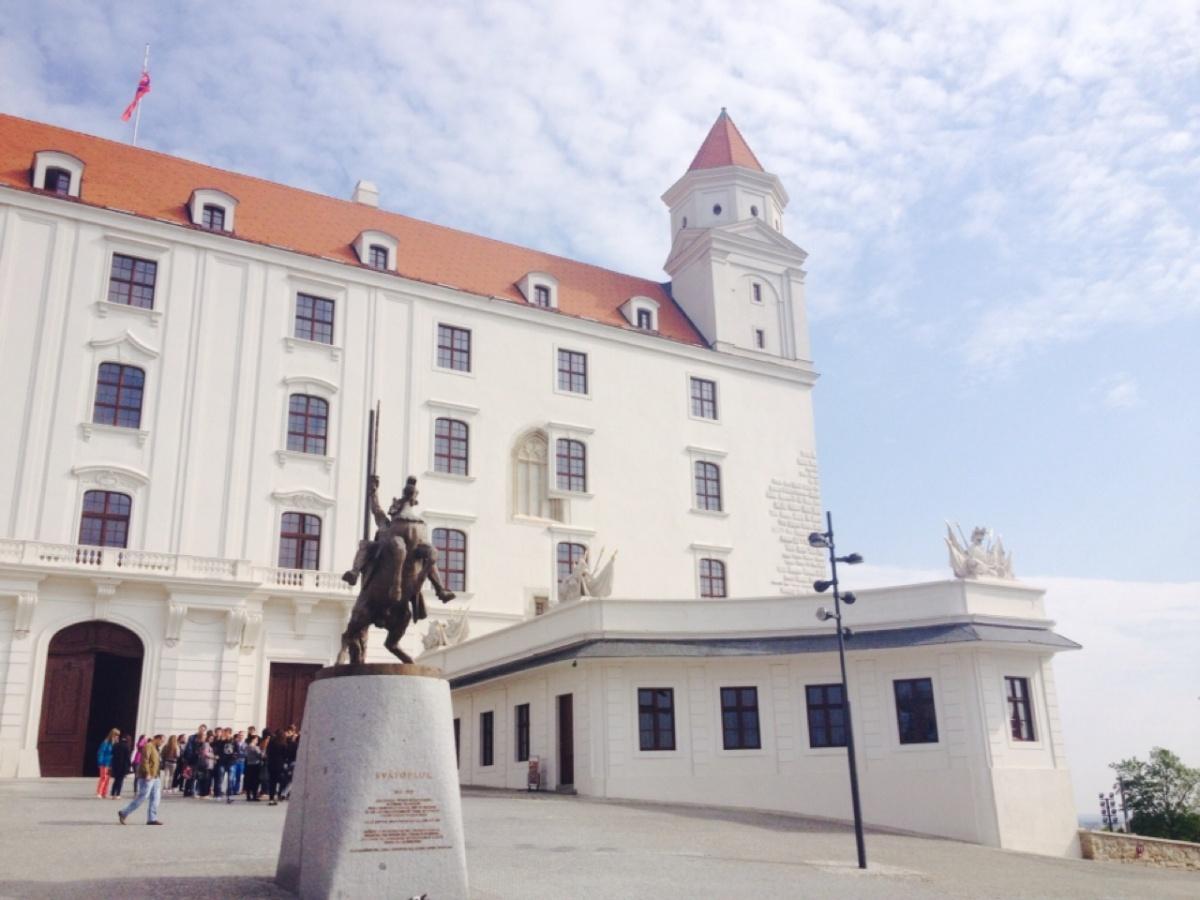 1.1398643200.bratislava-castle-in-slovakia