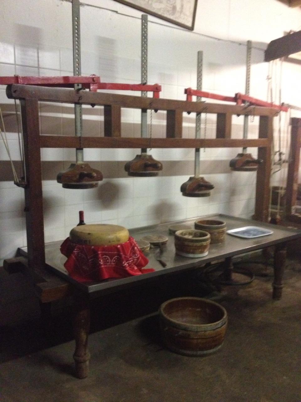 1.1399334400.dutch-cheese-making-factory